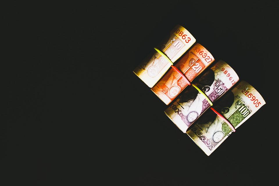 srolované rupie